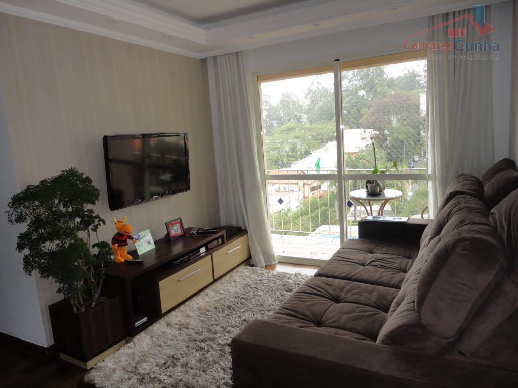Apartamento bem localizado com 74 metros, 03 dormitórios sendo 01 suíte e 02 vagas.