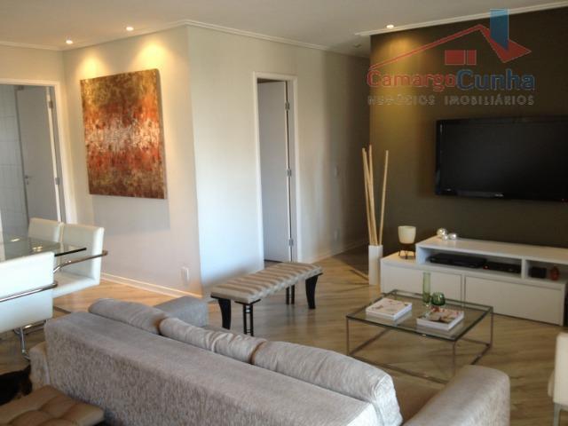 Apartamento bem localizado com 94 metros, 3 dormitórios sendo uma suíte e 2 vagas