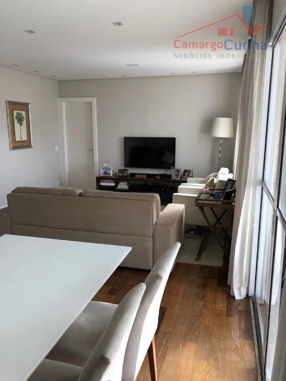 Apartamento com 107 metros, 3 Dormitórios sendo 2 suítes e 2 vagas