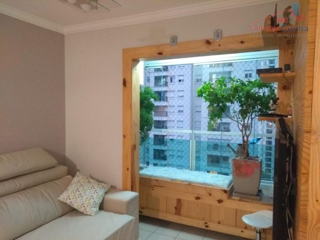 Apartamento com 67 metros, 3 dormitórios sendo uma suíte e 2 vagas