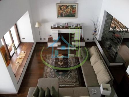 linda casa em bolsão fechado com 04 dormitórios, sendo 04 suítes,living para 04 ambientes, 06 vagas,...