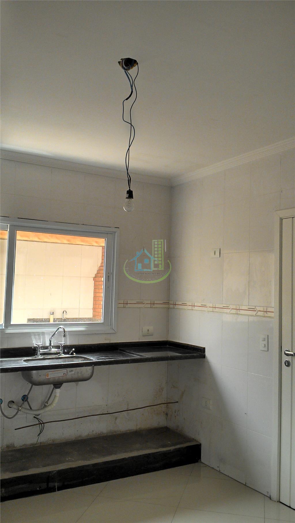 Sobrado de 3 dormitórios em Vila Romano, São Paulo - SP