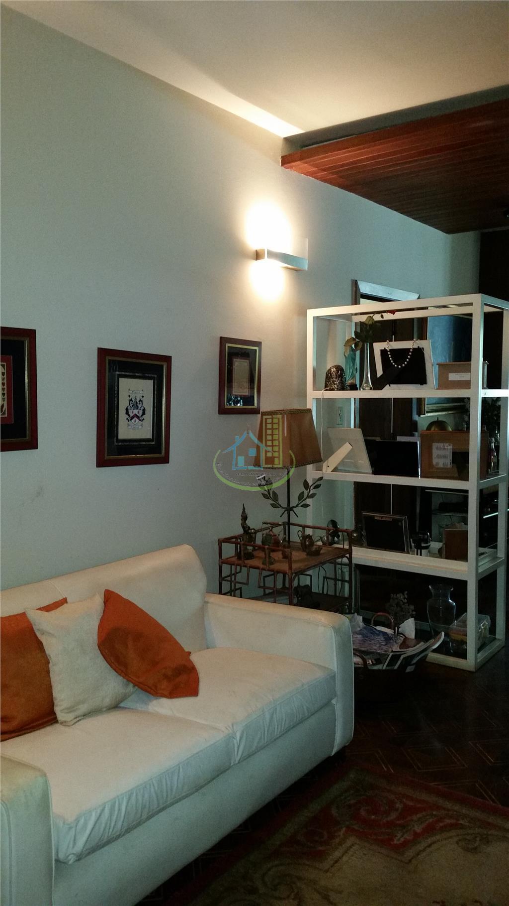 Casa de 6 dormitórios em Jardim Marajoara, São Paulo - SP