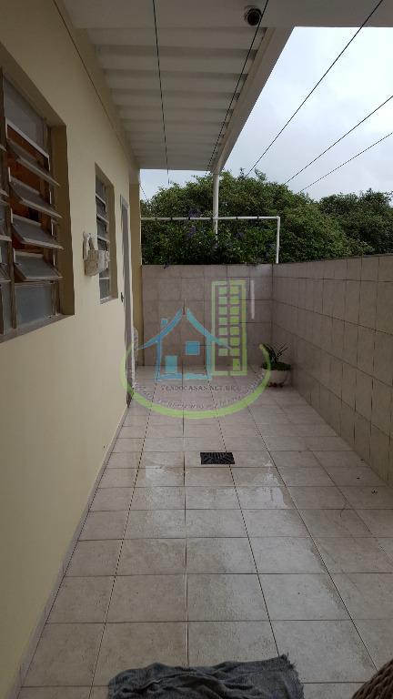 Sobrado de 4 dormitórios à venda em Jardim Guarapiranga, São Paulo - SP