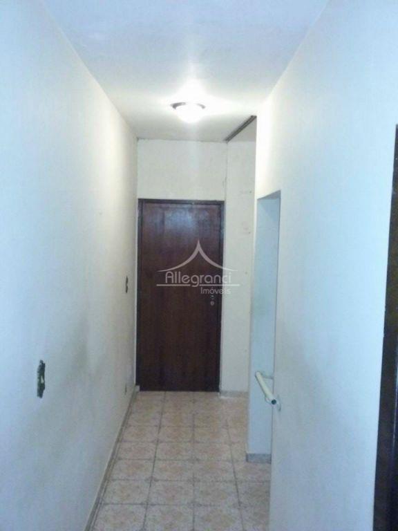 sobrado de 3 dormitórios sendo 1 suites,sala 2 ,sala de tv ambientes,banheiros,cozinha,lavanderia,varanda ,3 vagas de garagem.terreno...