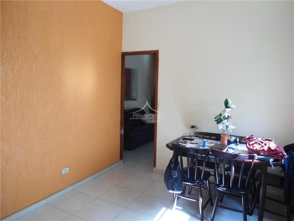 sobrado 115 metros,com 2 dormitórios,2 banheiros,sala de jantar,sala de estar,cozinha,área de serviço,vaga de garagem na frente...