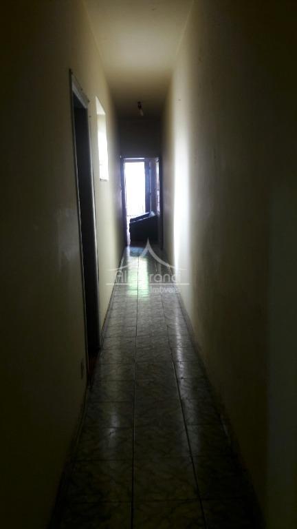 sobrado com 2 casas um no piso térreo e outra em cima, tendo cada casa 2...