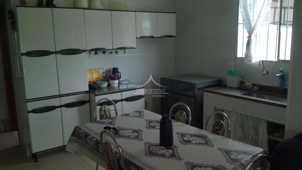 casa em caraguatatubasala 2 ambientes integrada a copa e cozinha3 dormitorios2 banheirosexcelente varanda com churrasqueira quintal...
