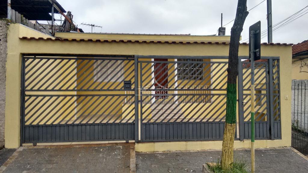 Casa térrea com 2 dormitórios na Vila Granada