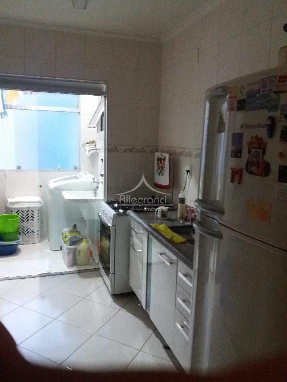 apartamento em andar alto com ótima vistasala 2 ambientes com sacadinha3 dormitórios1 banheirocozinhaárea de serviço1 vagalazer...