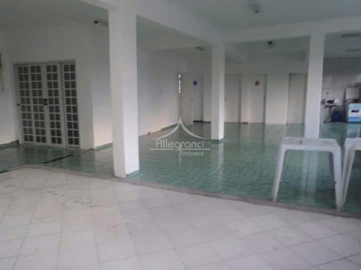 salão comercial com 110 m².