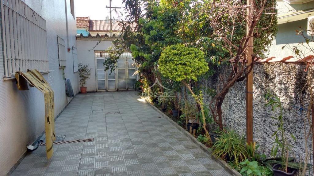 uma bela casa!!!ótima localização! fácil acesso a estação do metrô belém ou tatuapé, acesso a salim...