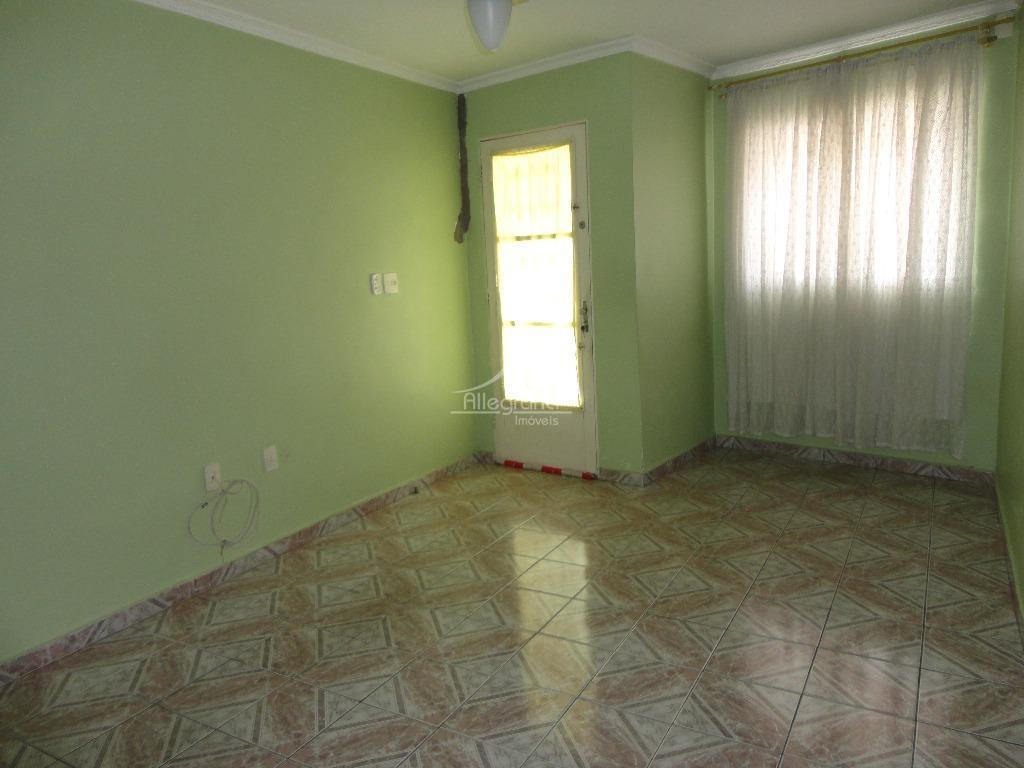 oportunidade sobrado no tatuape, 2 dormitorios, sala , cozinha, 1 wc, area de serviço e quintal....