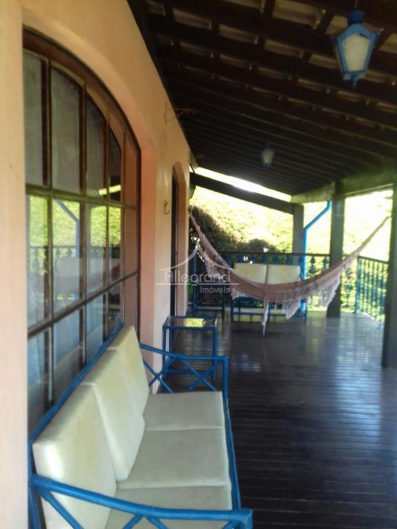 casa de campo em atibaia,fernão dias saída 51,condomínio clube de montanha.terreno de 2.000 metros,700 metros de...