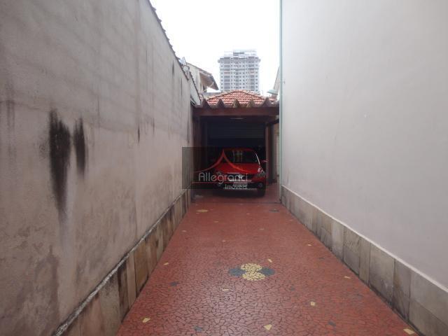 imóvel com ótima localização. rua tranquila, entrada lateral, quintal,dependência de empregada. 5 quadras do metro tatuapé....