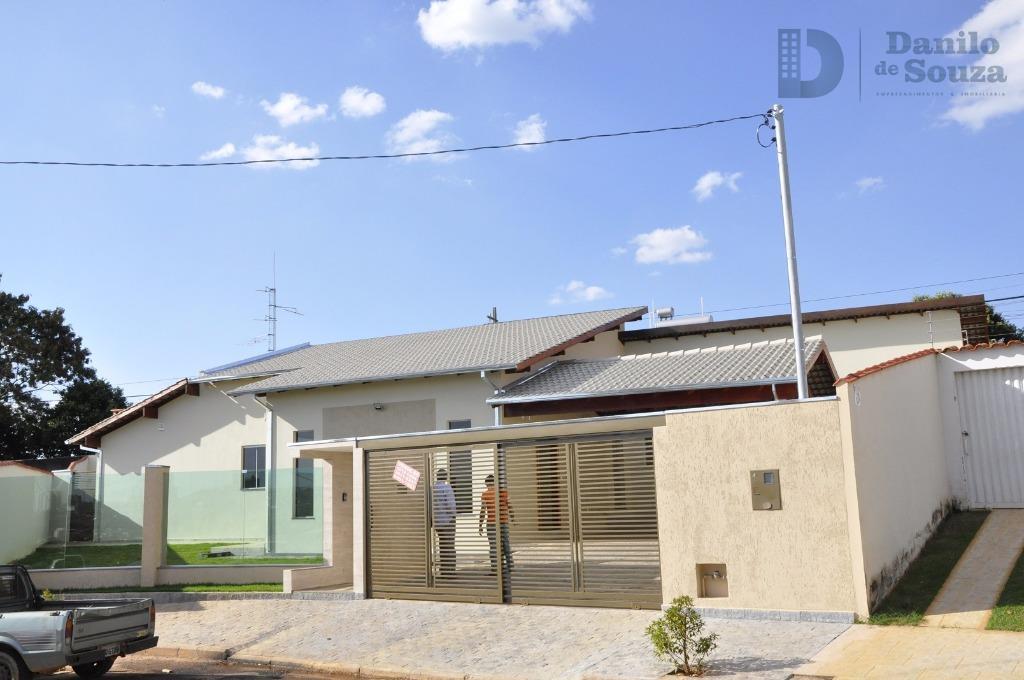 Casa à venda,Condomínio Monte Verde, Araxá.