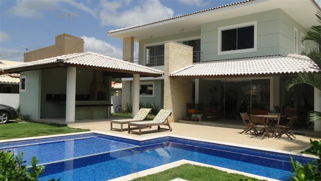 Casa Nova - Alto Padrão - 4/4 com piscina e churrasqueira a 60 metros do mar