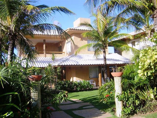 Costa Esmeralda - Guarajuba -  Casa com 5/4 suites com ar split - Piscina - Espaço gourmet a 60 metros do mar