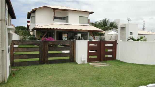 Guarajuba - Paraíso dos lagos - Casa 4 suítes com ar - Piscina e churrasqueira.