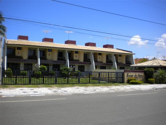 Apartamento na Praça de Guarajuba com 4/4 duplex com piscina e churrasqueira - Excelente localização