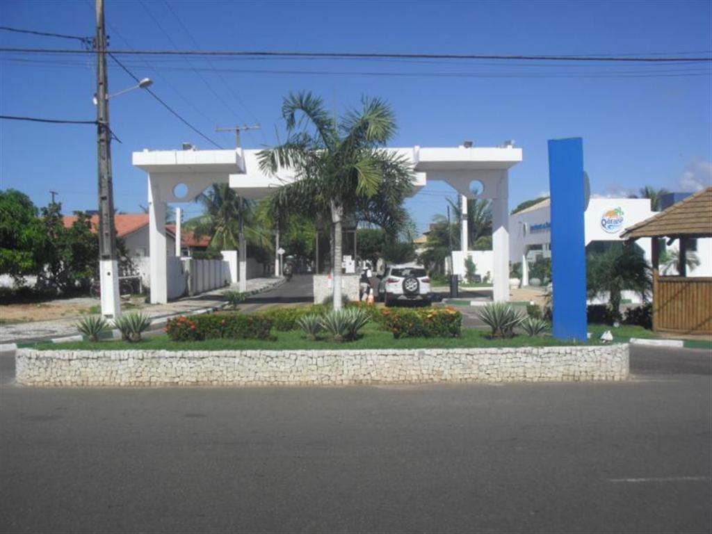 Guarajuba -  Casa 4/4 sendo 02 suítes - Piscina e Churrasqueira.