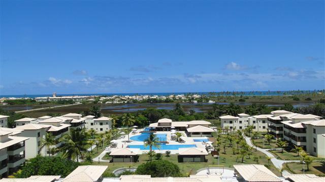 Genipabu Club House - Apartamento térreo com 3/4 suites - Nascente - Frente piscina - Mobiliado - Guarajuba