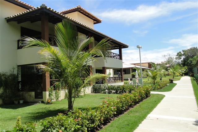 Apartamento Térreo - 3/4 Suites com ar - Piscina - Excelente infra estrutura - Genipabu Club House - Praia de Guarajuba