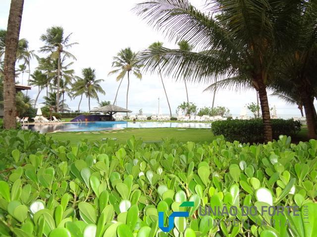 apartamento localizado no condomínio bali bahia em praia do forte, beira mar.dispõe de 4 quartos sendo...