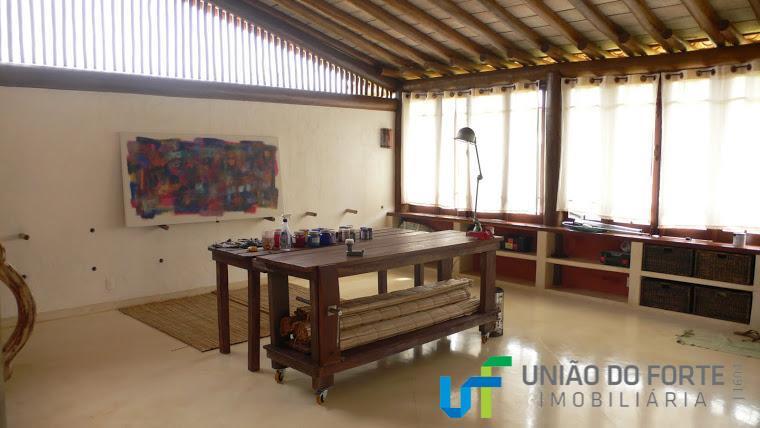 ampla e confortável casa em praia do forte litoral norte da bahia!a casa é cercada por...