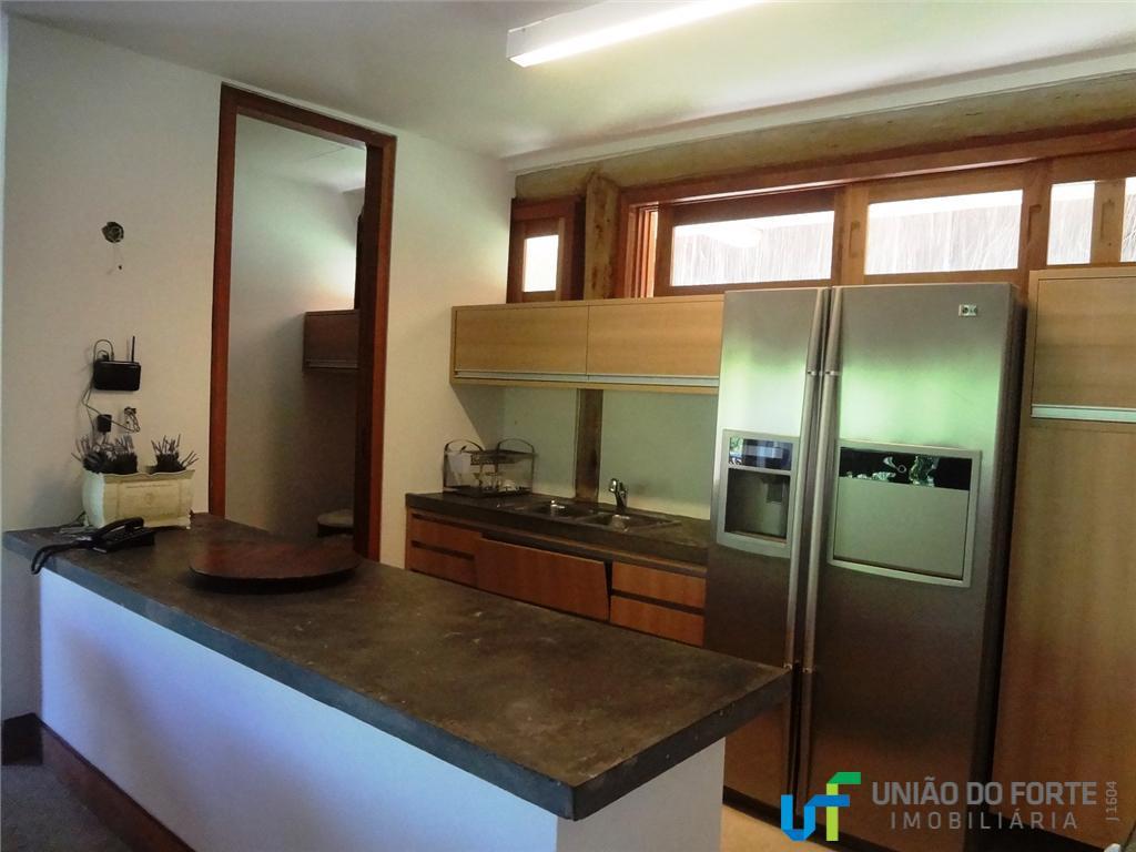 linda casa finamente decorada, composta por 3 suítes completas, sala cozinha, área de serviço e área...