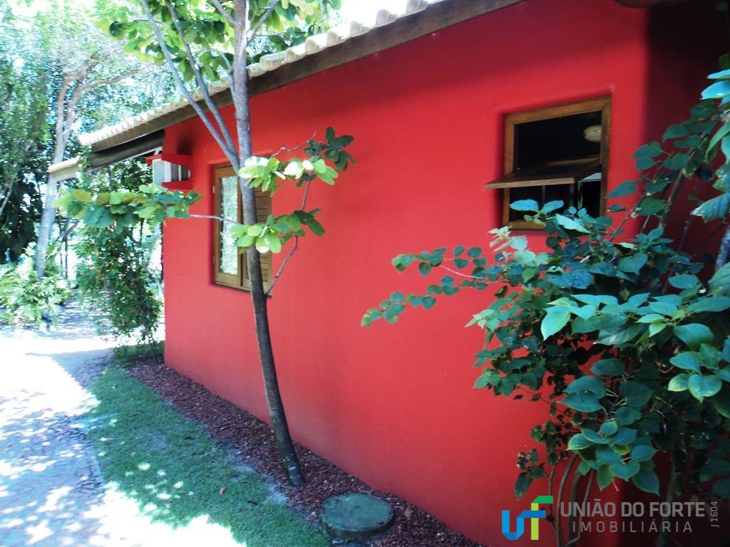 conforto, natureza e sofisticação em um só lugar.linda casa com vista para ampla área verde.localizada no...
