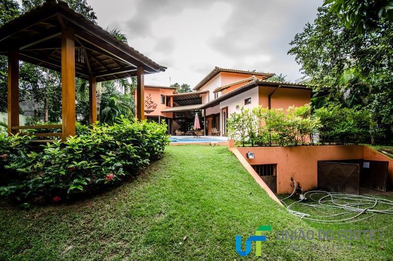 estilosa e surpreendente!linda casa localizada no condomínio quintas da lagoa no litoral norte da bahia, entre...