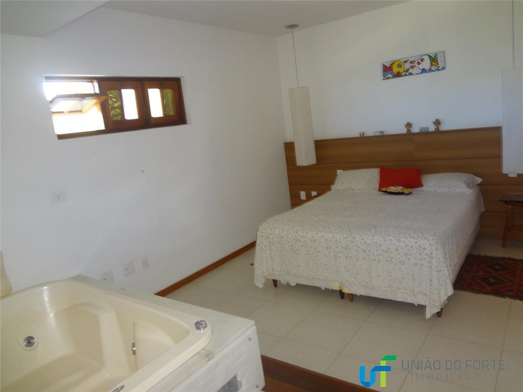 apartamento duplex;sala com varanda, cozinha estilo americana e área de serviço.3 quartos, sendo um suíte com...