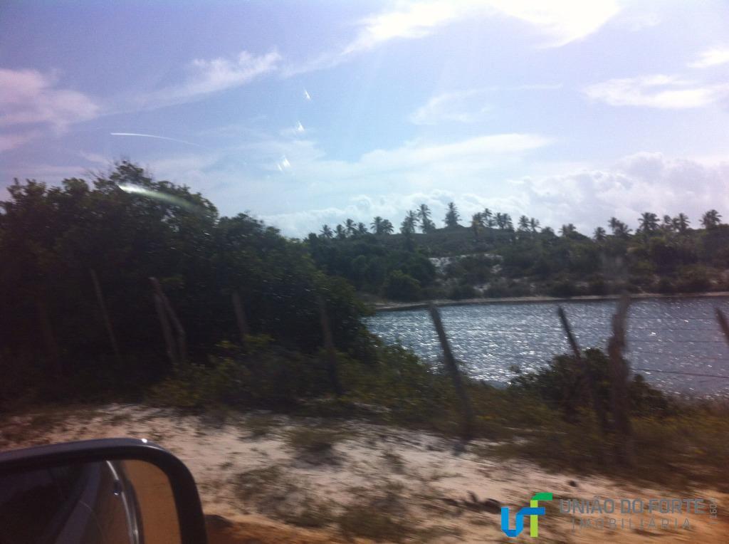 área frente mar em costa azul com 10.000 m2parte de uma área total de 39.698,22 m2ao...