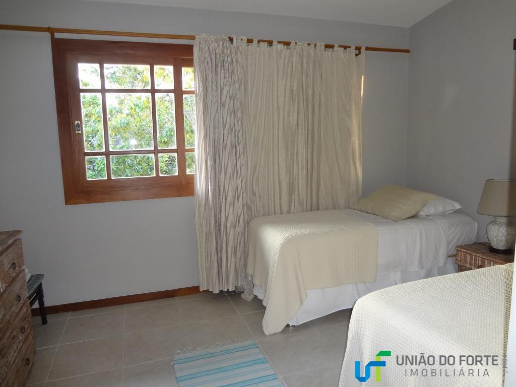 apartamento duplex, disponível para venda e locação temporada.disposição:cozinha estilo americana, sala com varanda, lavabo e área...