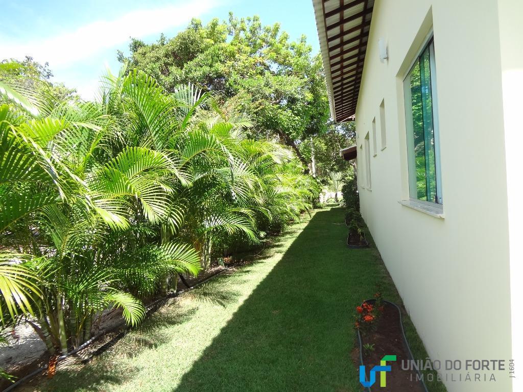 ótima oportunidade! casa térrea com varanda em l, confortável, novíssima, localizada na estrada do coco no...