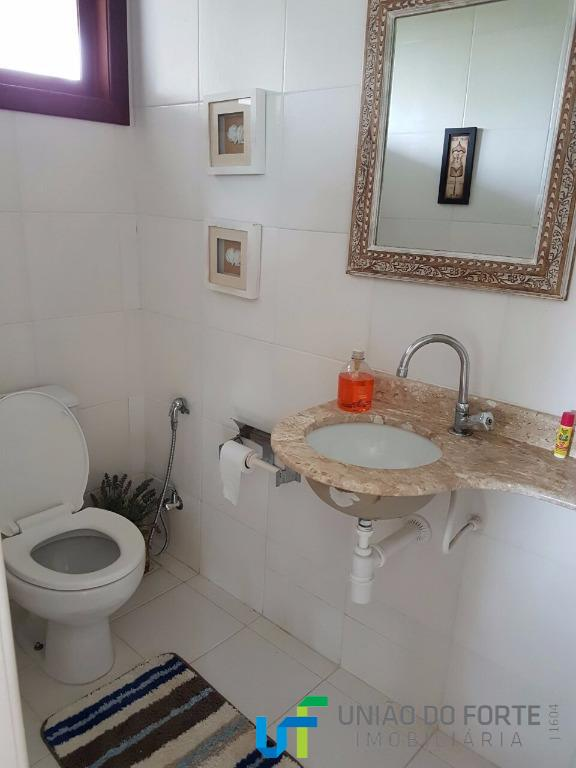 casa confortável com ampla área verde no litoral norte da bahia!situada no condomínio mares do forte...