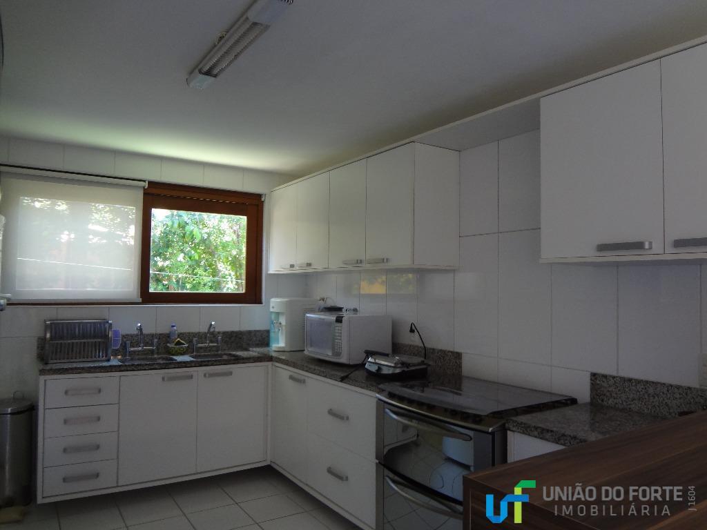 condomínio casas de sauípecasa com 4 suítes, sendo 1 no pavimento térreo e 3 no pavimento...