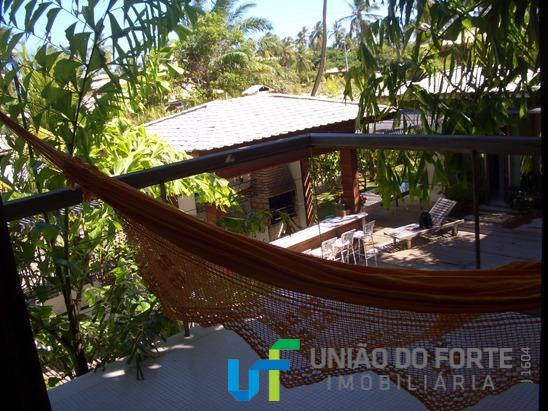 praia do forte, casa com 6 suítes amplas, comporta confortavelmente 14 adultos e até 4 crianças...