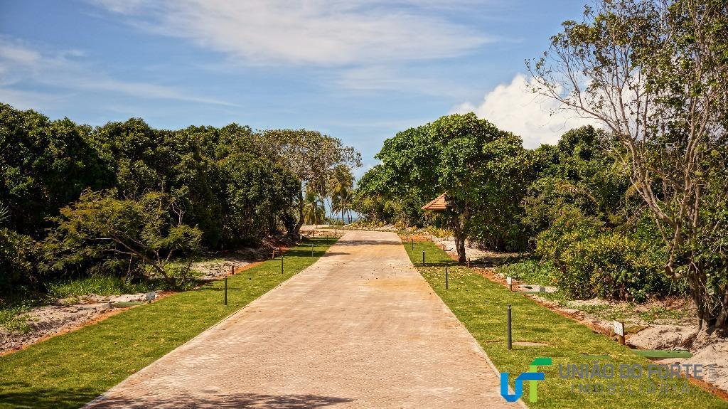 terreno residencial, localizado dentro do loteamento piscinas naturais, condomínio das acácias, localização privilegiada, fica de esquina...