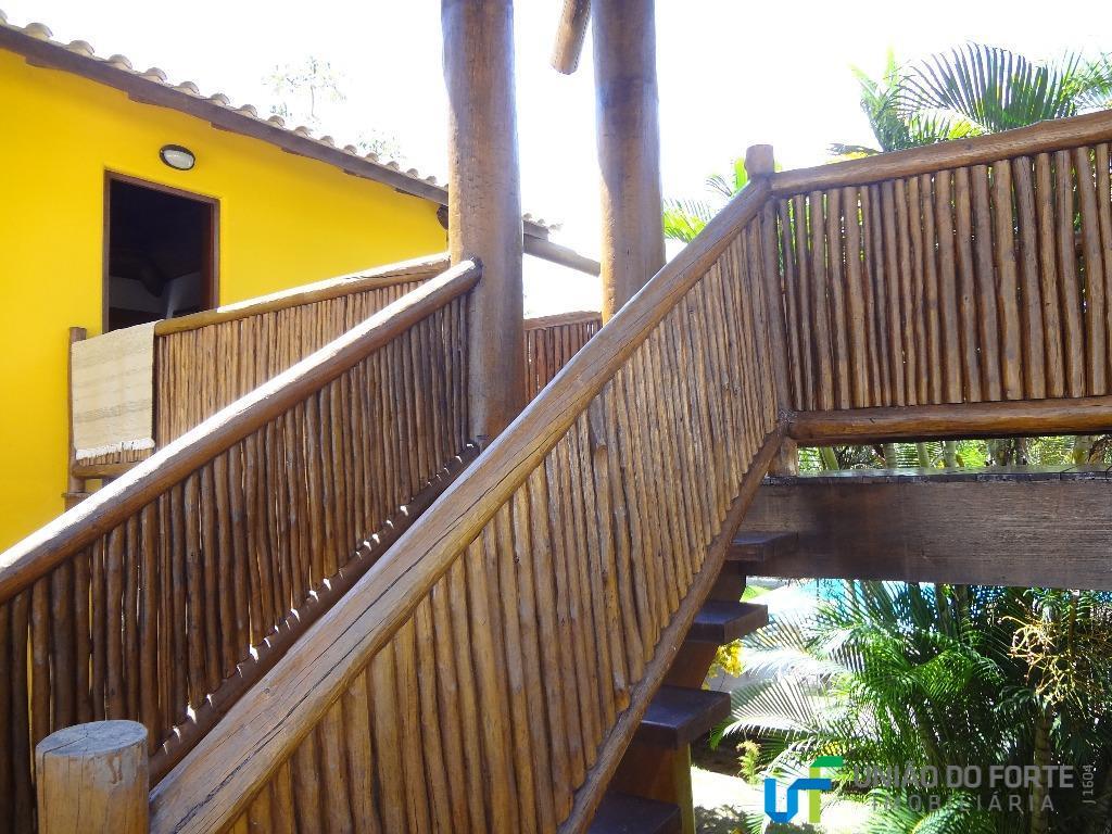 casa junto à praia do forte, em condomínio fechado a cerca de 10 minutos da vila,...