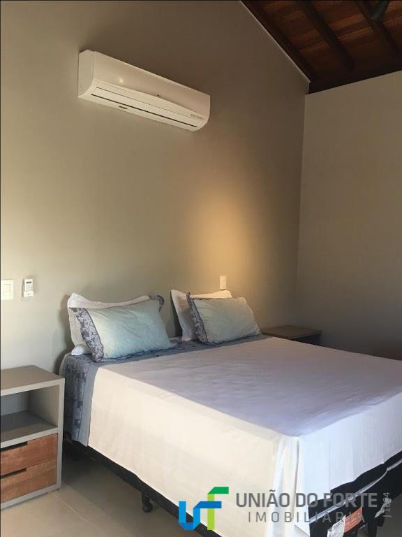 casa de alto padrão, com 5 quartos, sendo 3 suítes. todas com ar condicionado split e...