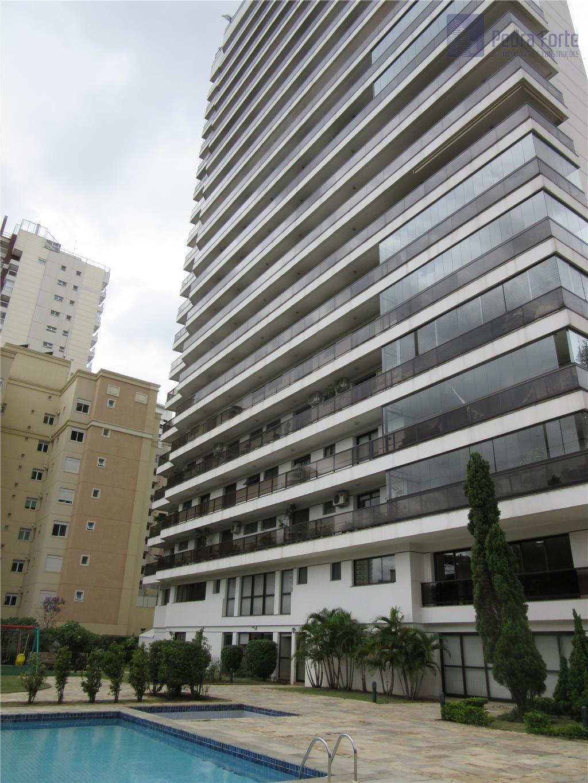 Apartamento com muito espaço e conforto (4 suítes e 5 vagas)