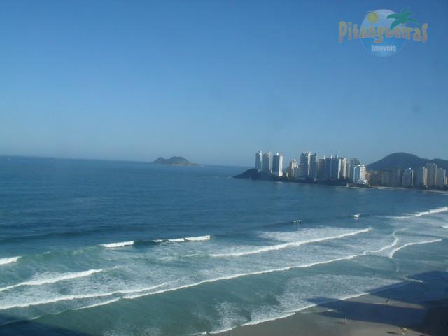 Praia de Pitangueiras, Frente Total para o Mar, Vista Espetacular, 220 m² de Área Útil, Garagem e Churrasqueira.