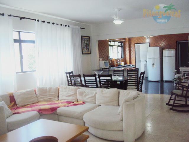 Praia de Pitangueiras -Lindíssimo apartamento - Reformado e decorado - Lazer - 2 vagas - 100 metros da praia !!