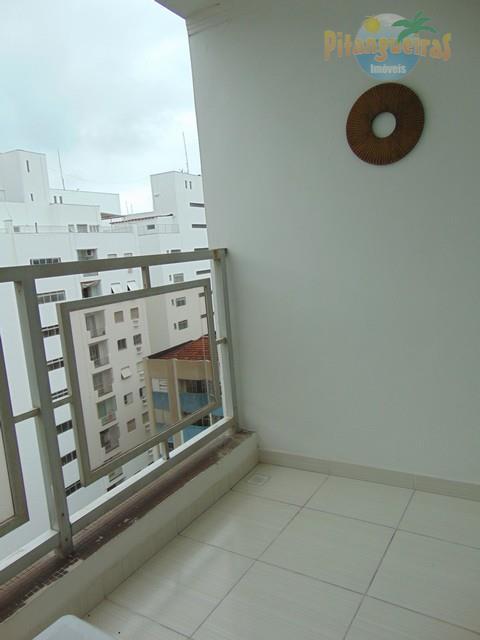 Praia de Pitangueiras 80 Metros do Mar, Local Nobre, Amplo e Lindo Apartamento Totalmente Reformado, 85 M² Úteis, Garagem.