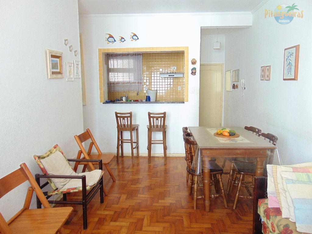 Pitangueiras - Uma quadra do mar, excelente apartamento com condomínio baixo.