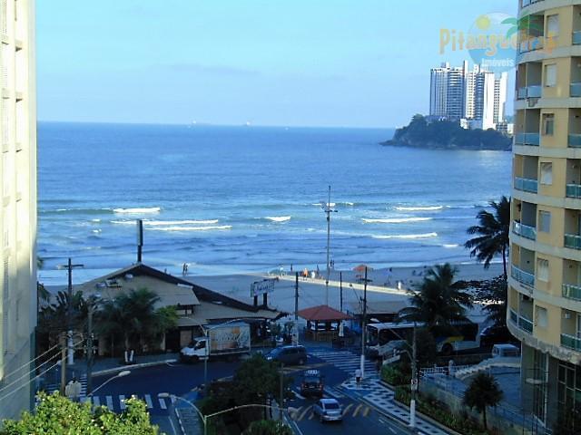 Praia das Pitangueiras, 50 metros da praia, excelente vista para o mar !!!