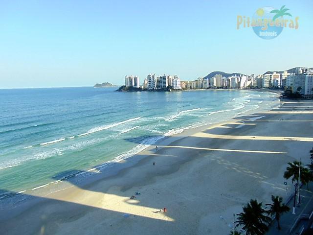 Pitangueiras - Frente total para o mar - 160 m² úteis, garagem demarcada no prédio.