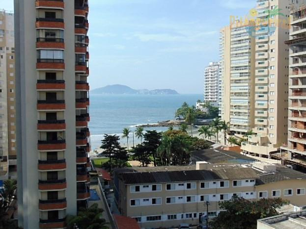 Praia das Astúrias, excelente localização, pertinho da praia, vista ao mar !!!